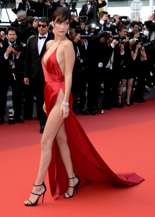 Cannes robe rouge