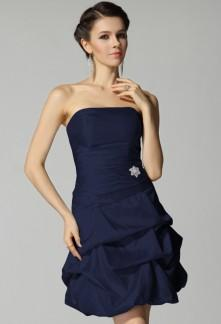 Robe de cocktail bleu nuit