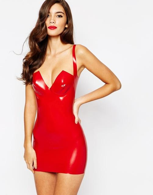 Robe latex rouge