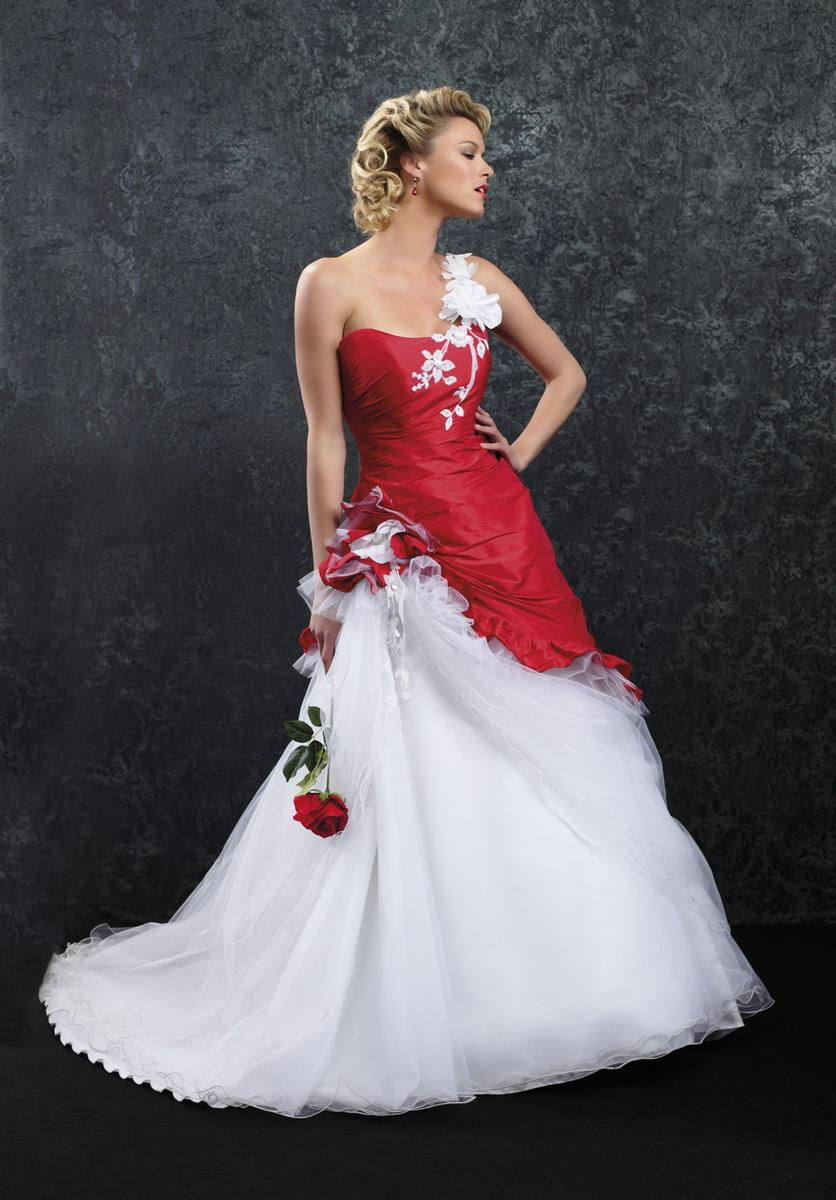 Robe mariage rouge et blanche
