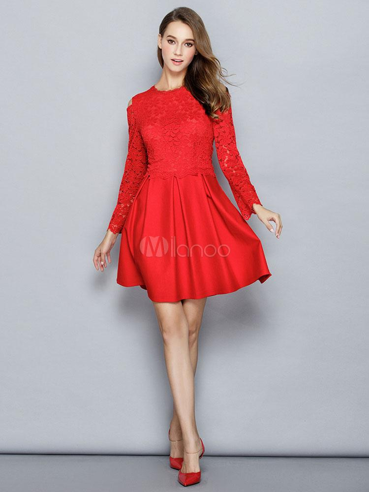 Robe patineuse dentelle rouge
