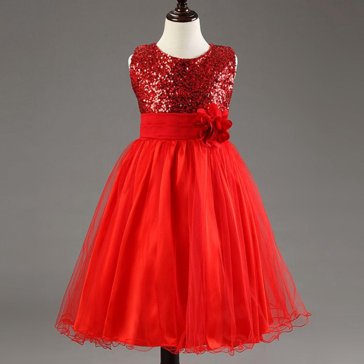 Robe rouge fillette