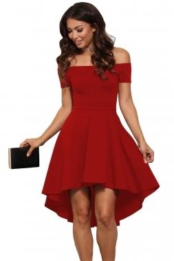 Robe rouge patineuse