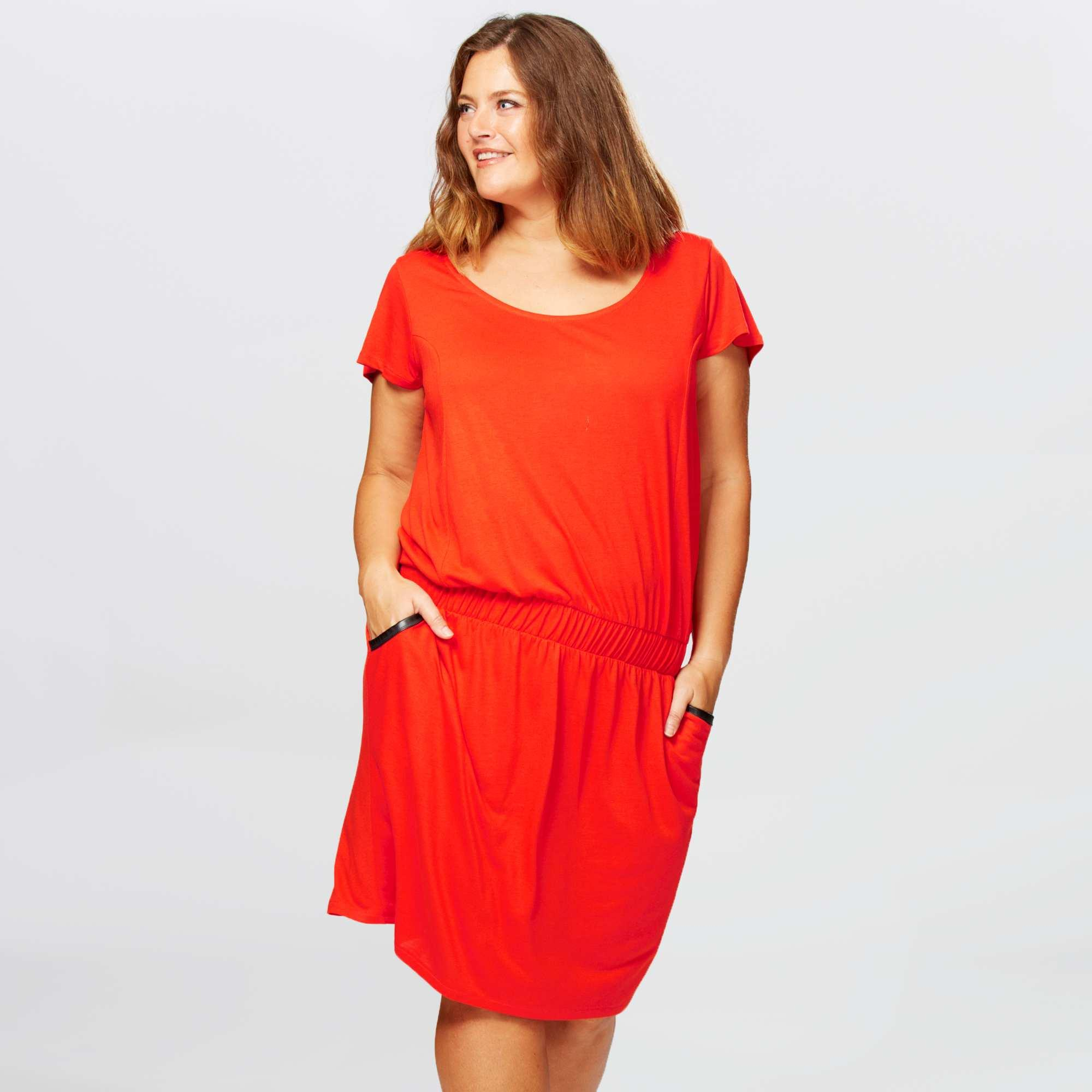 Robe rouge taille 48