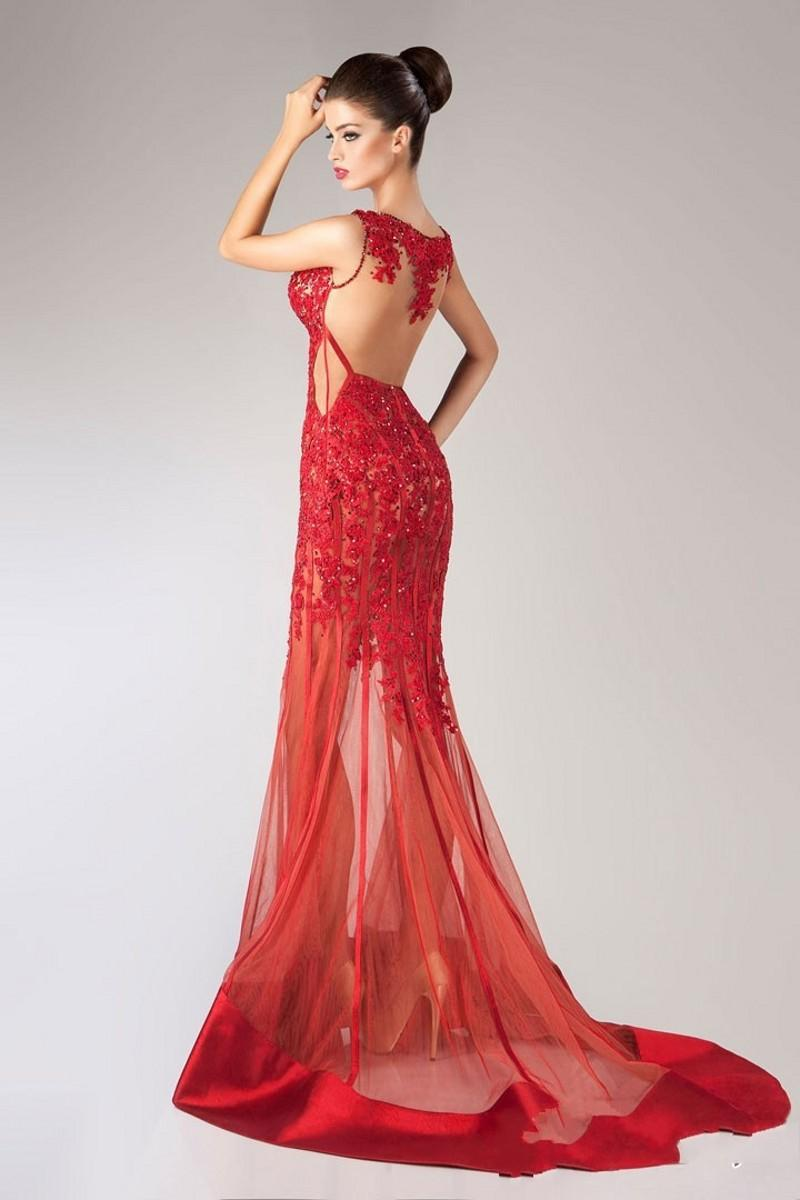 Robe rouge tulle