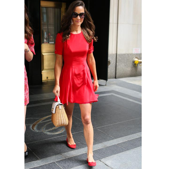 Tenue robe rouge