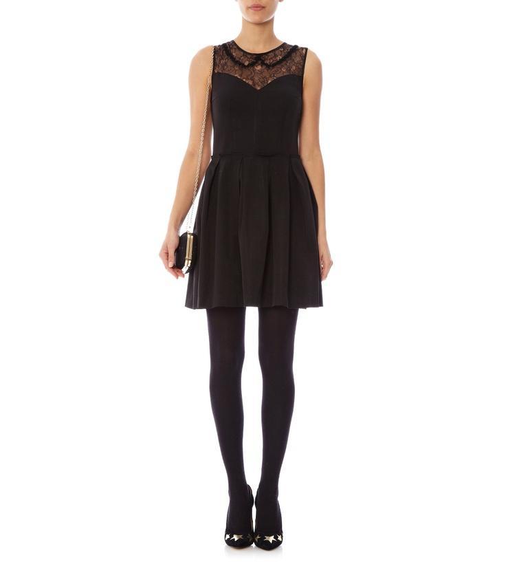 Collant noir ou chair avec robe noire