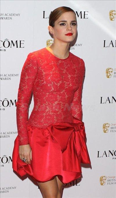 Emma watson robe rouge
