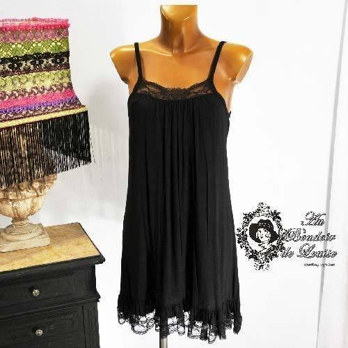 Fond de robe noir grande taille