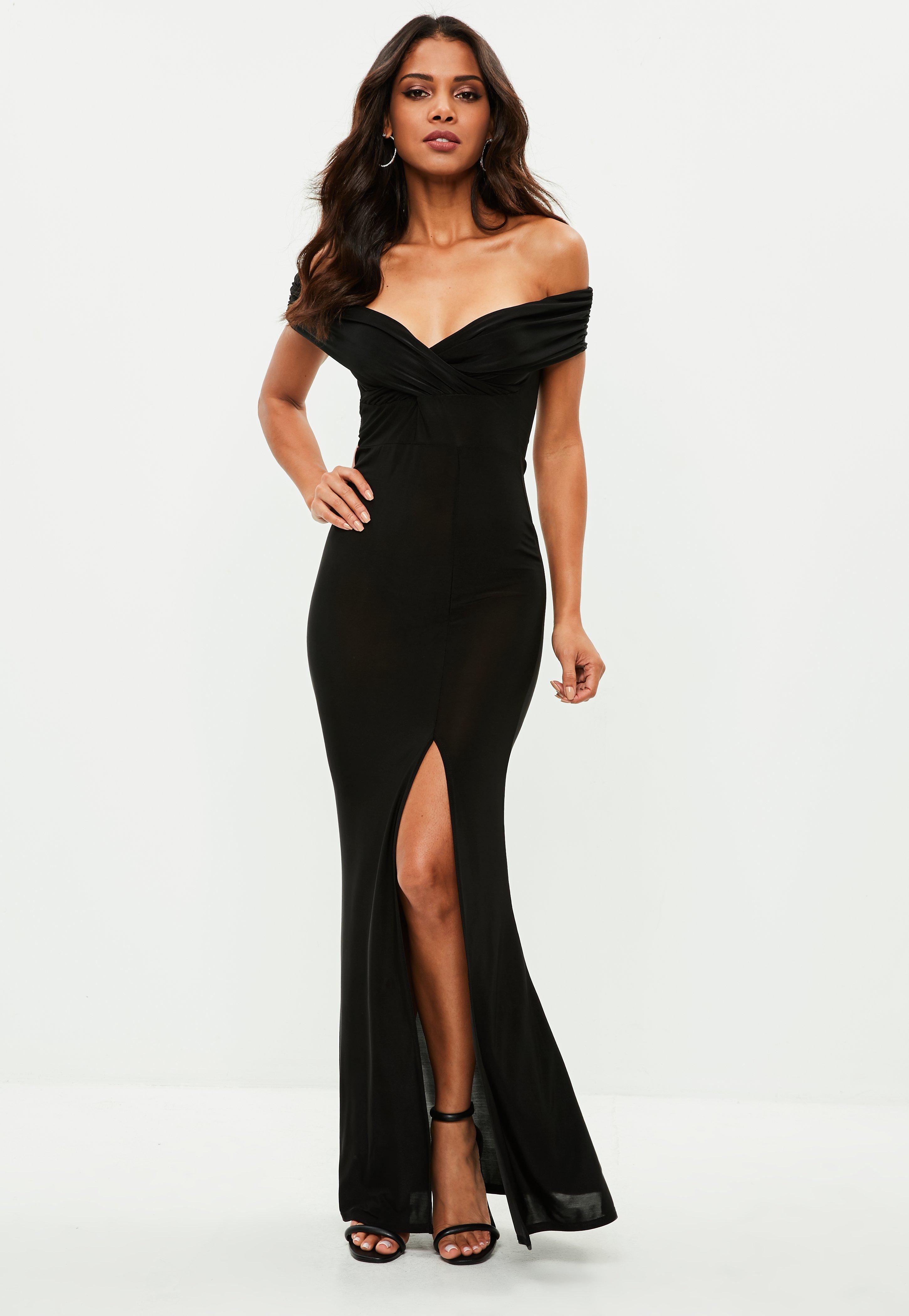 Longue robe noir fendue