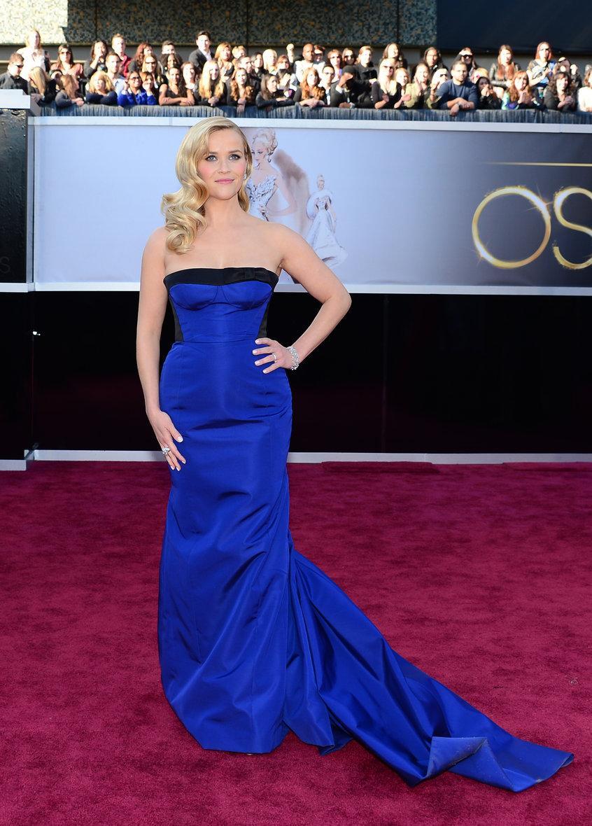 Maquillage avec robe bleu