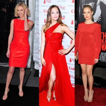 Porter une robe rouge