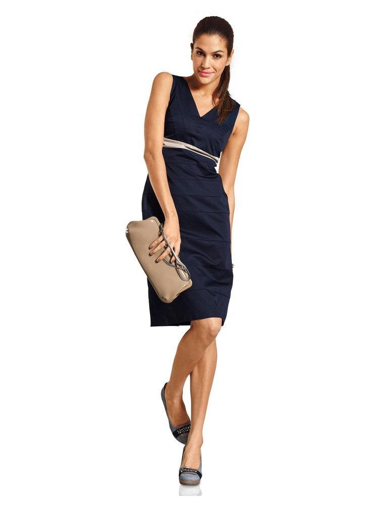 Que mettre avec une robe bleu marine