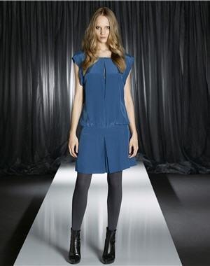 Quel collant mettre avec une robe bleu marine