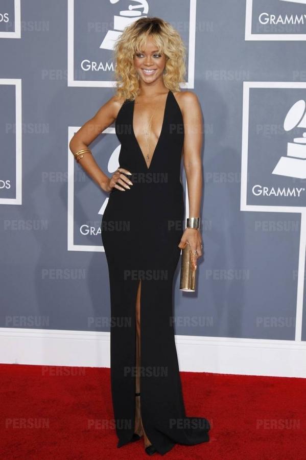 Rihanna robe noir