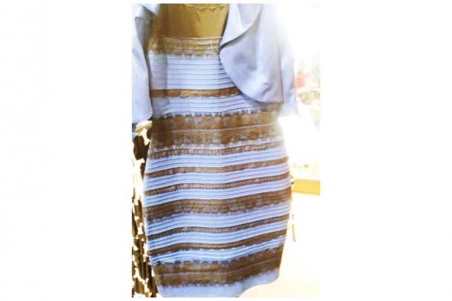 Robe bleu et noire ou blanche et dorée