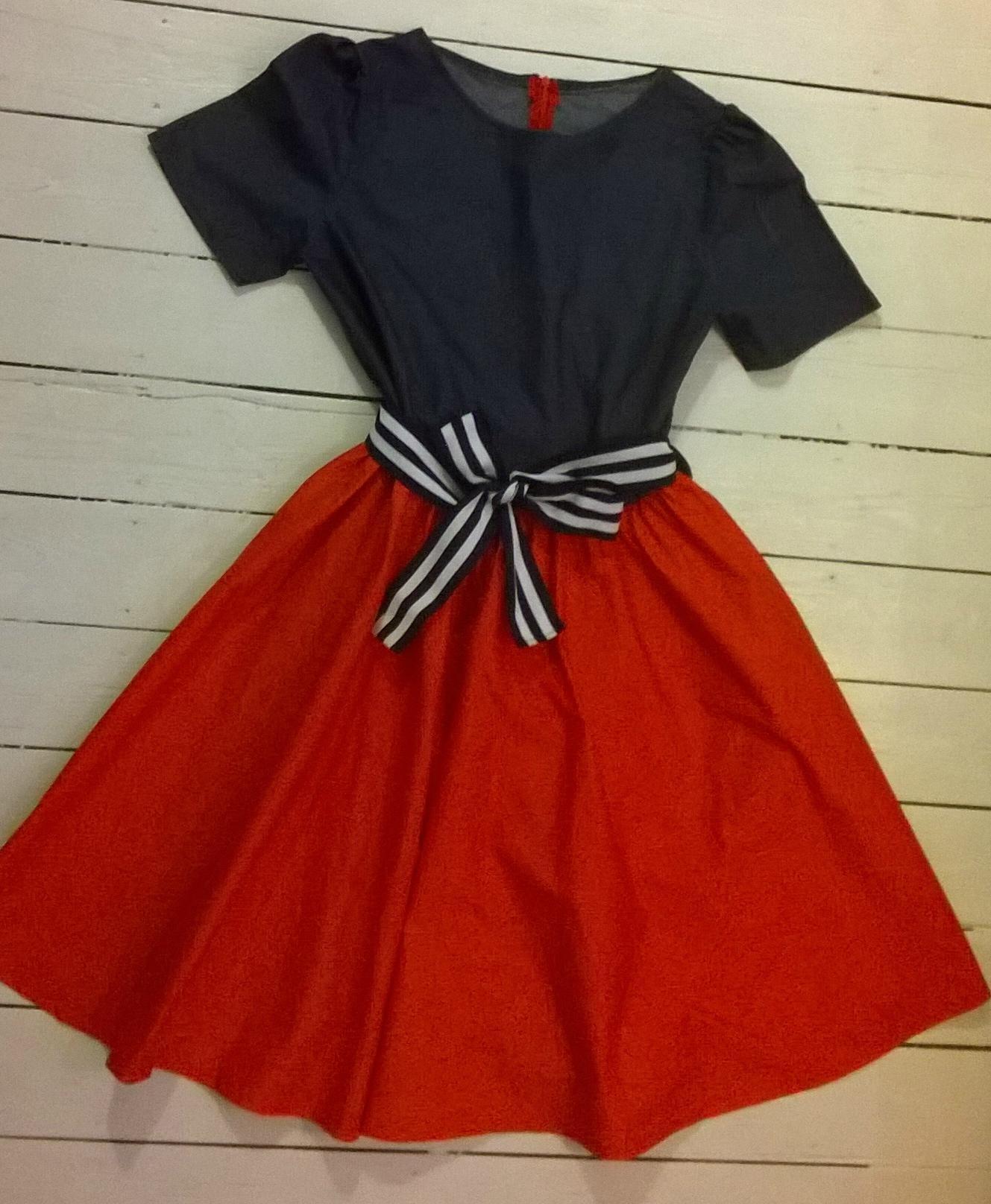 Robe bleu et rouge