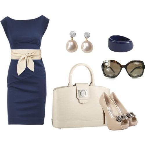 Robe bleu marine et beige