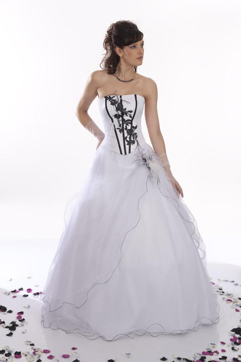 Robe de mariée blanc et bleu turquoise