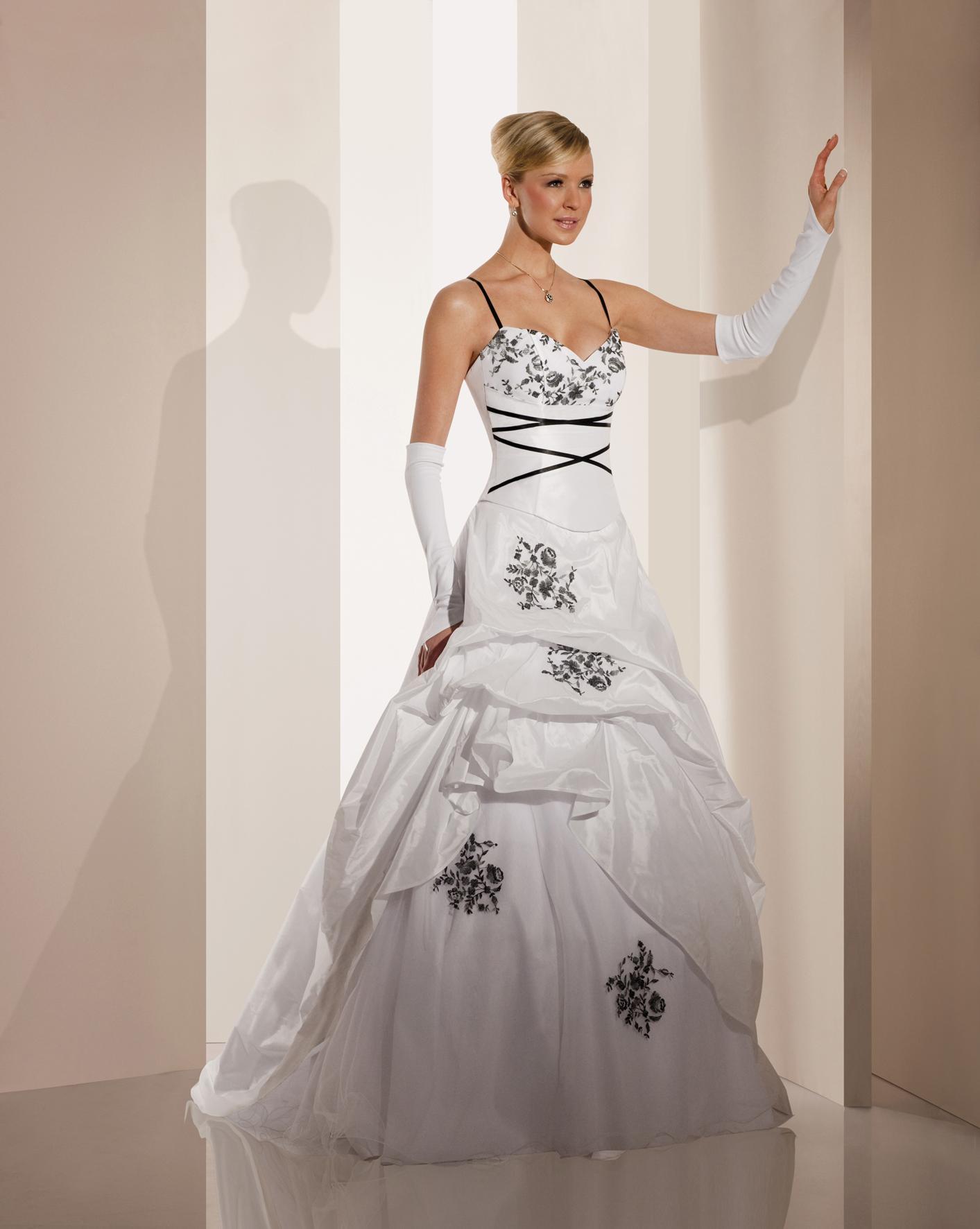 Robe de mariée blanche et noir