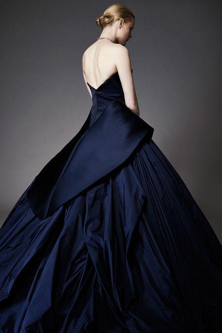 Robe de mariée bleu nuit