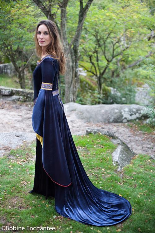Robe de mariée médiévale bleu
