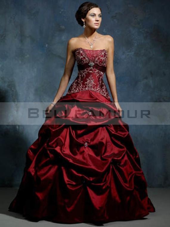 Robe de mariée noire et rouge