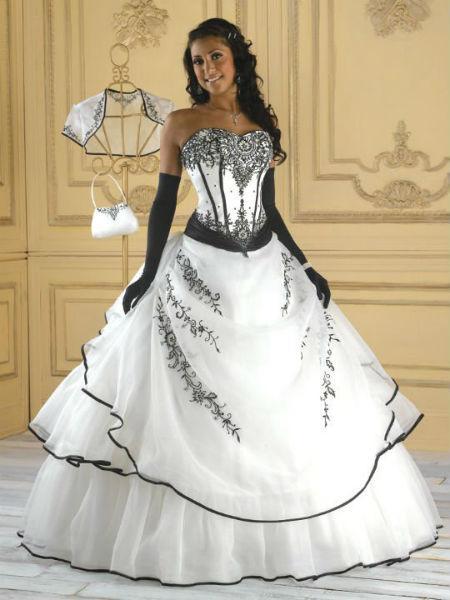 Robe de mariée princesse noir et blanche