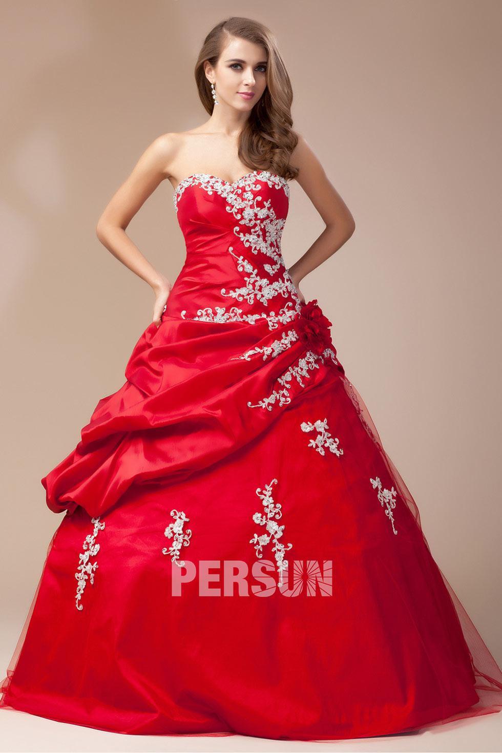 Robe de mariée rouge bordeaux