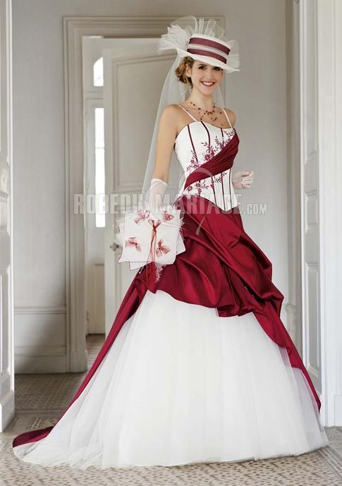 Robe de mariée rouge et blanche 2015