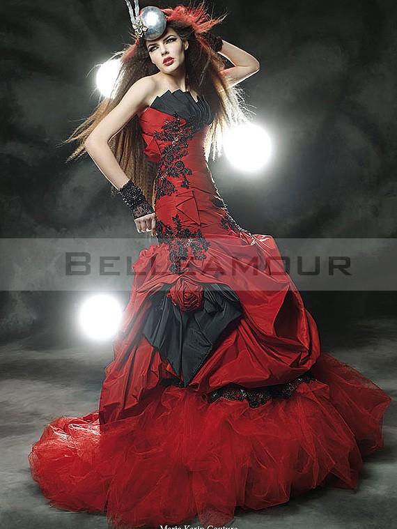 Robe de mariée rouge et noire