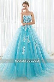 Robe de princesse bleu ciel