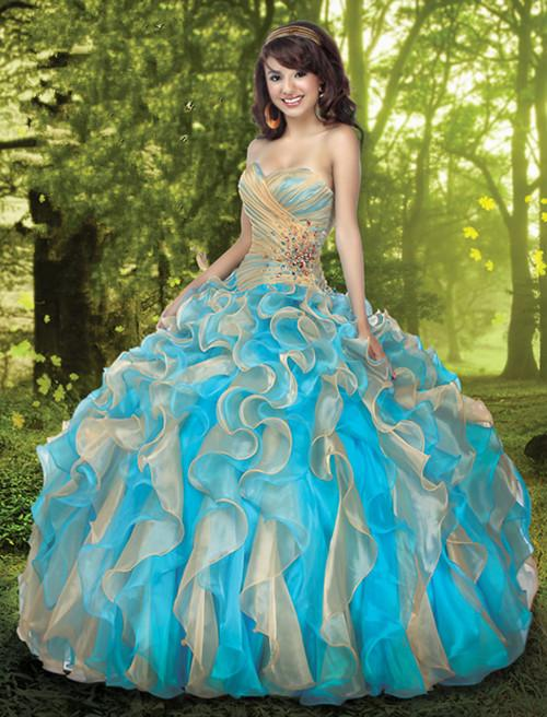 Robe de princesse bleu et blanc