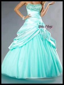 Robe de princesse bleu turquoise