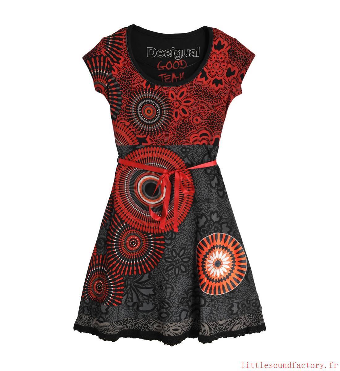 Robe desigual rouge et noire