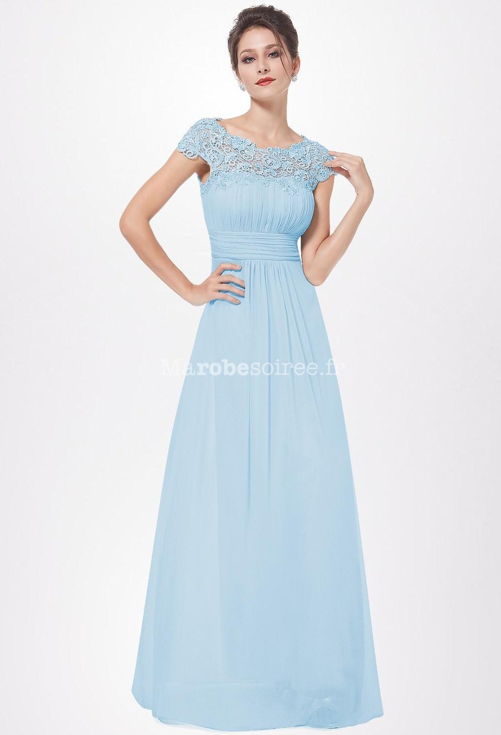 Robe longue bleu pastel