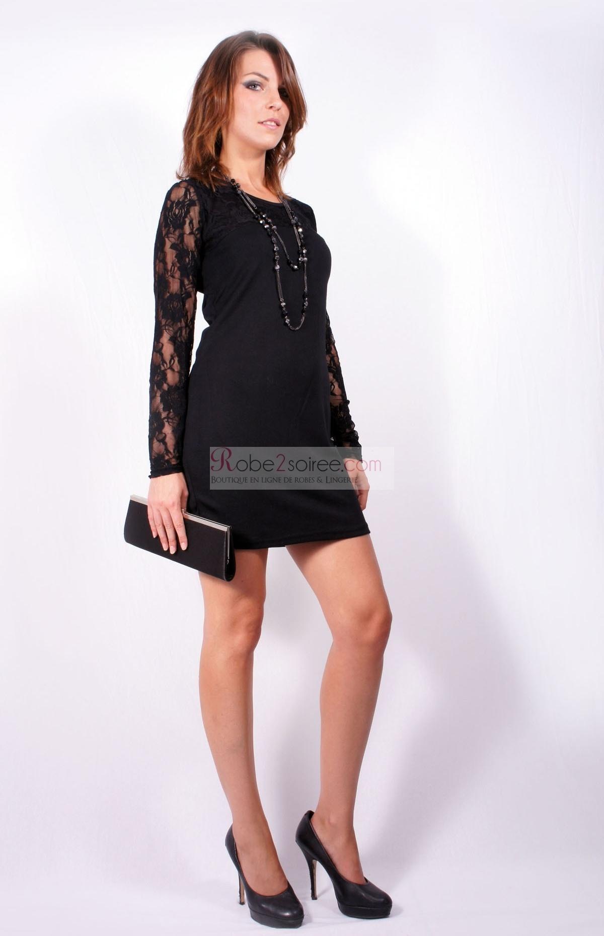 Robe noir avec manche dentelle