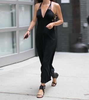 Robe noir chaussure