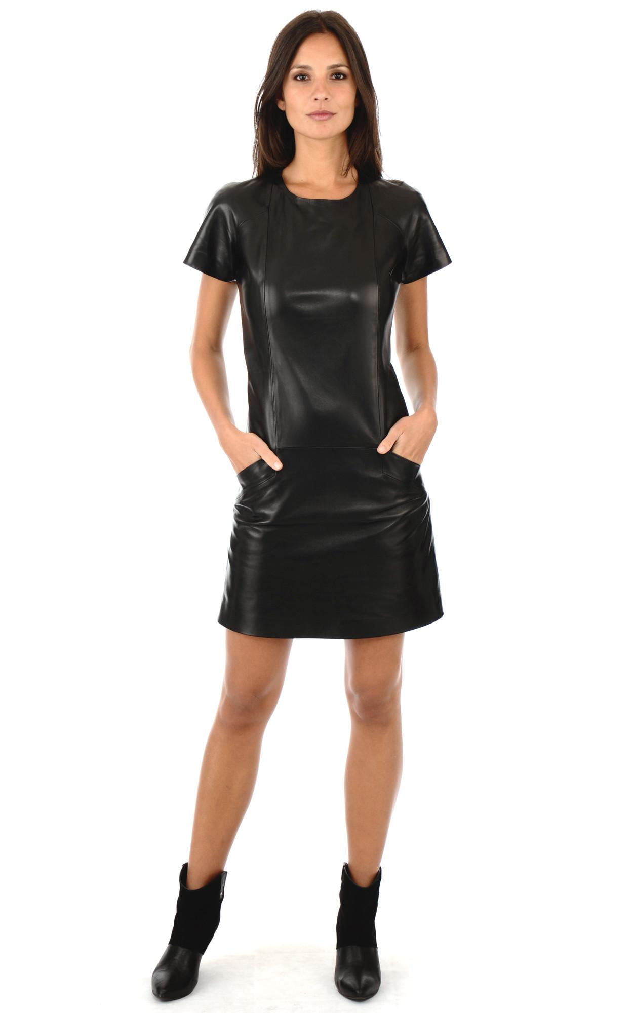 Robe noir cuir