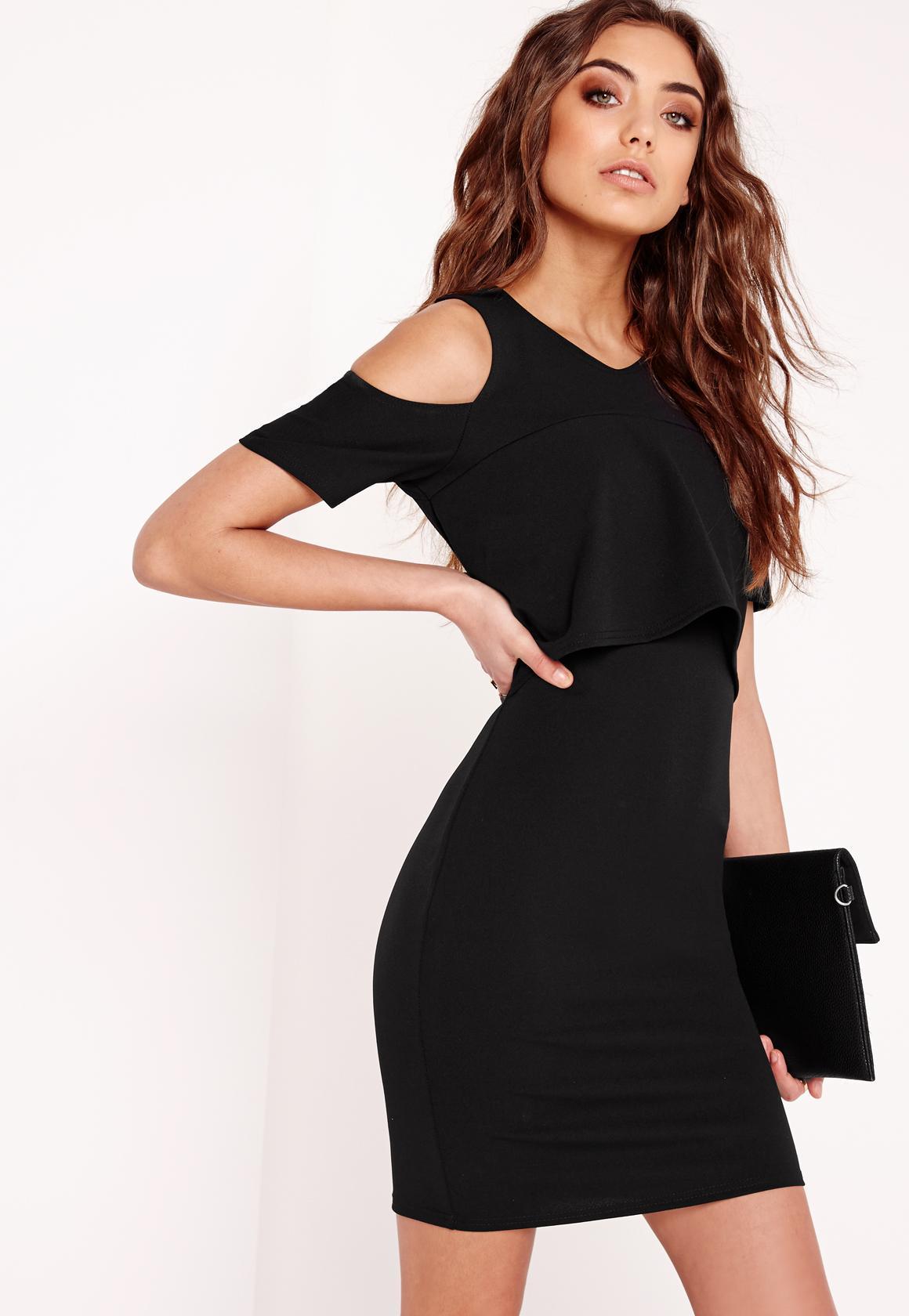 Robe noir epaule dénudée