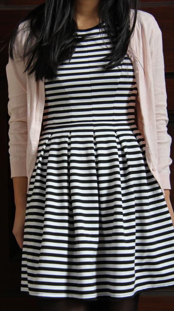 Robe noir et blanc rayée