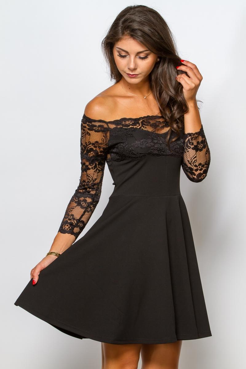 Robe noir et dentelle