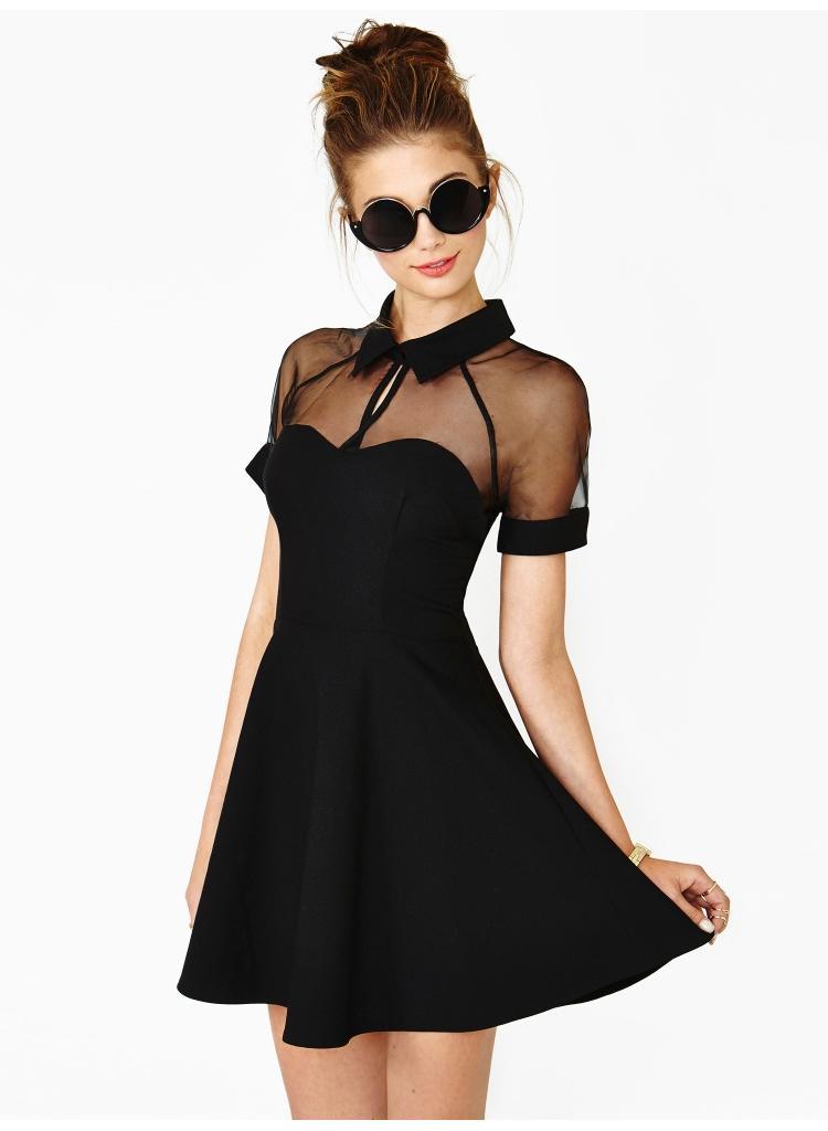 Robe noir transparente