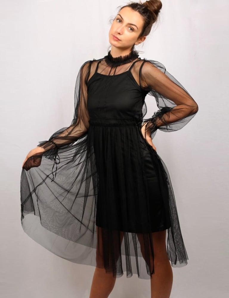 Robe noir tulle