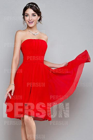 Robe rouge courte bustier