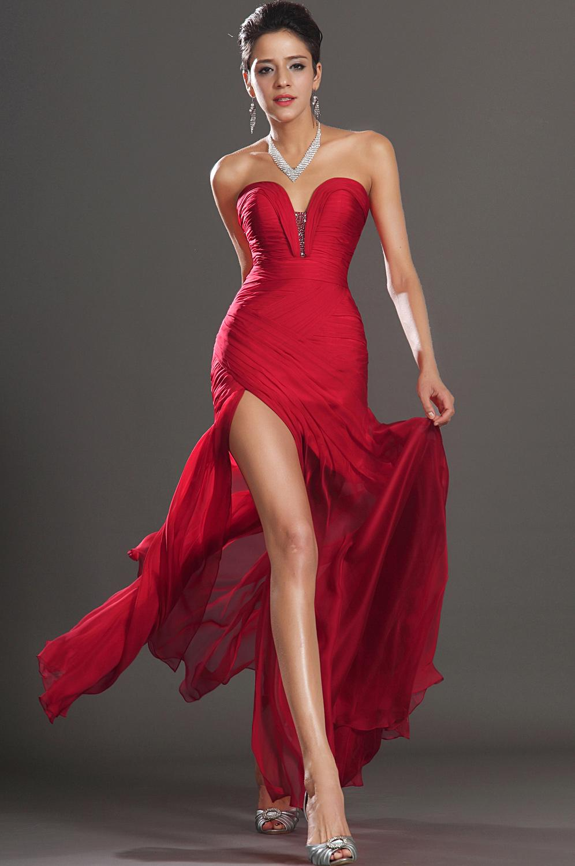 Robe rouge de ceremonie