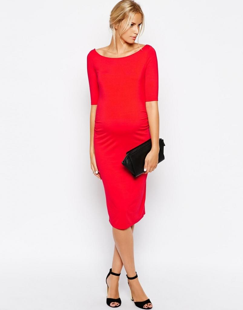 Robe rouge habillée