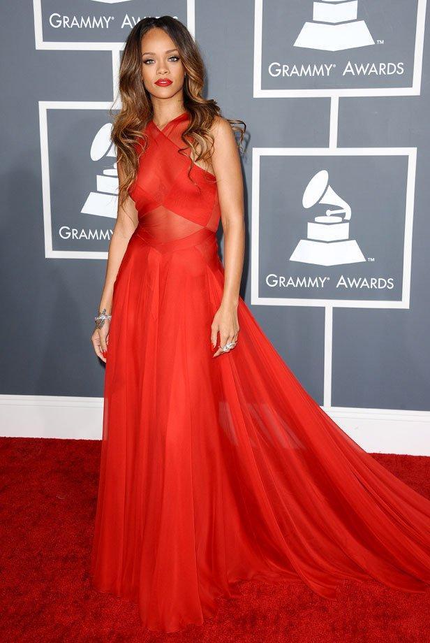 Robe tapis rouge
